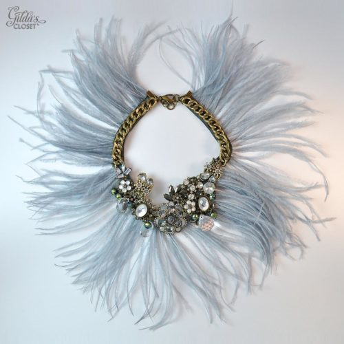 Collar My Fair Lady plumas gris