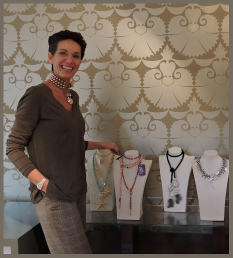 Beatriz Rojo en el showroom de Gilda's Closet